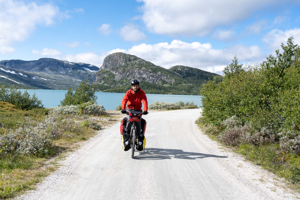 Armand on Rallarvegen, in front of Nygardsvatnet