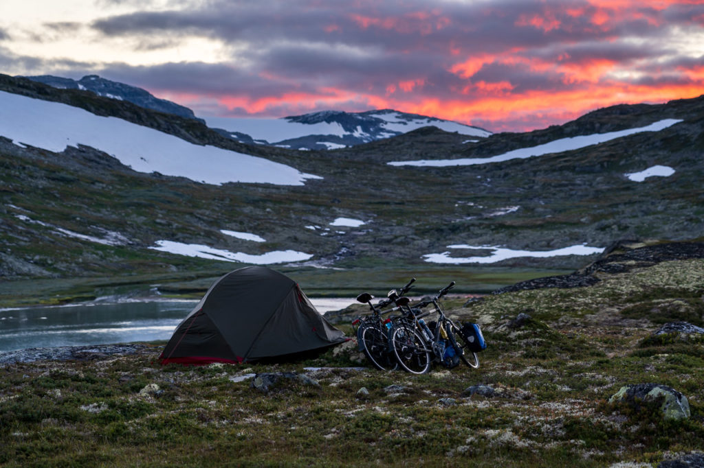 Sunset over our wild camping spot along the Ustekveikja on Hardangervidda