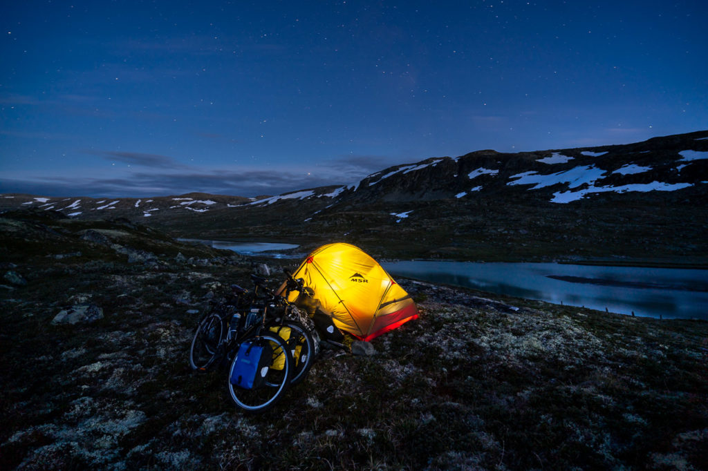 Wild camping along the Ustekveikja on Hardangervidda