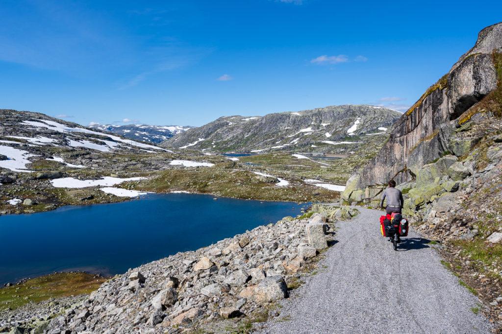 Armand on Rallarvegen & Låghellertjørni