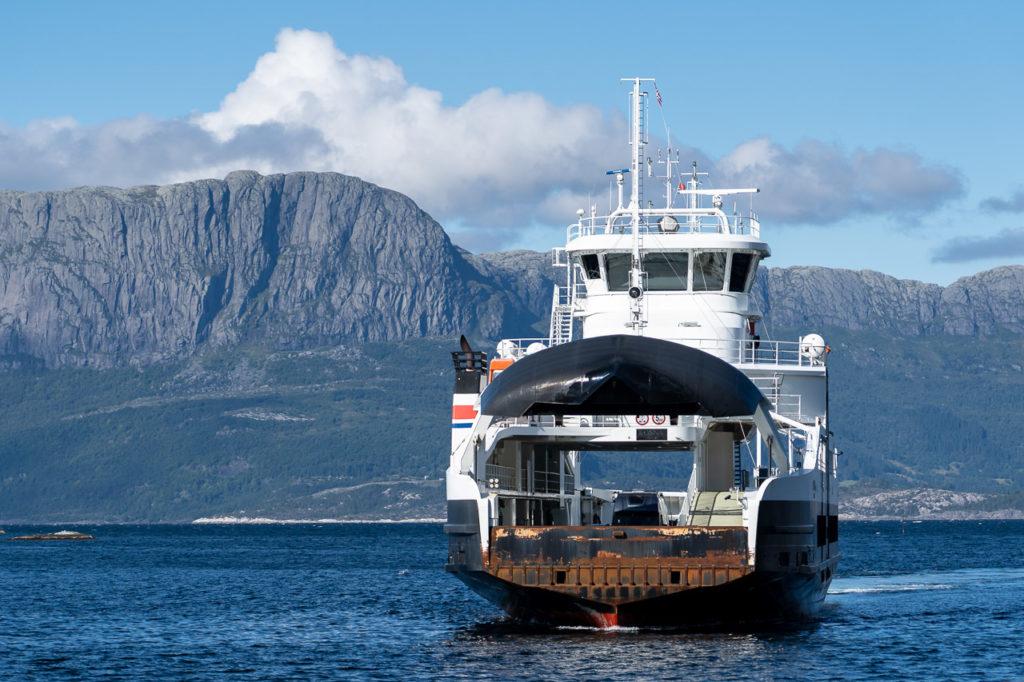 Ferry Rutledal-Rysjedalsvika across the Sognefjorden
