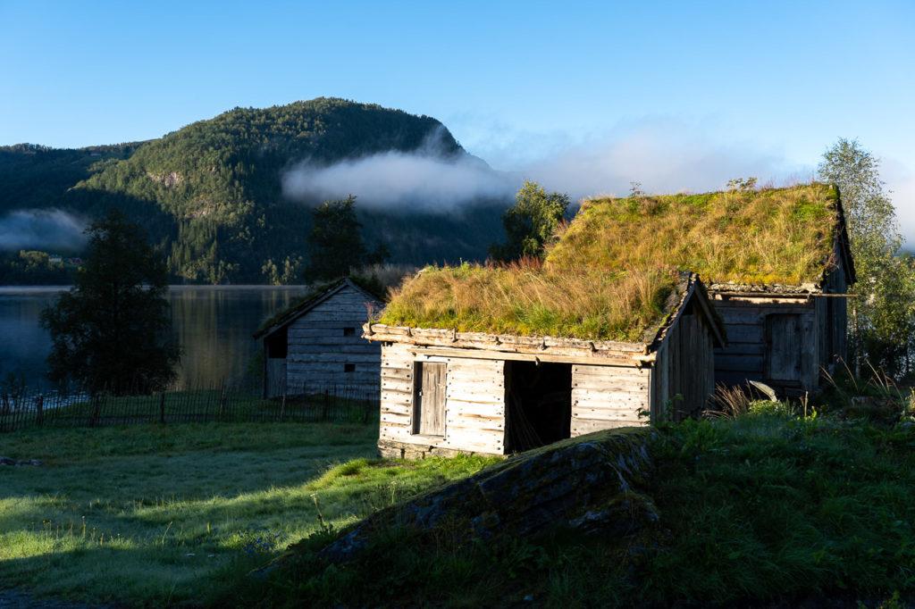 Huts along Movatnet