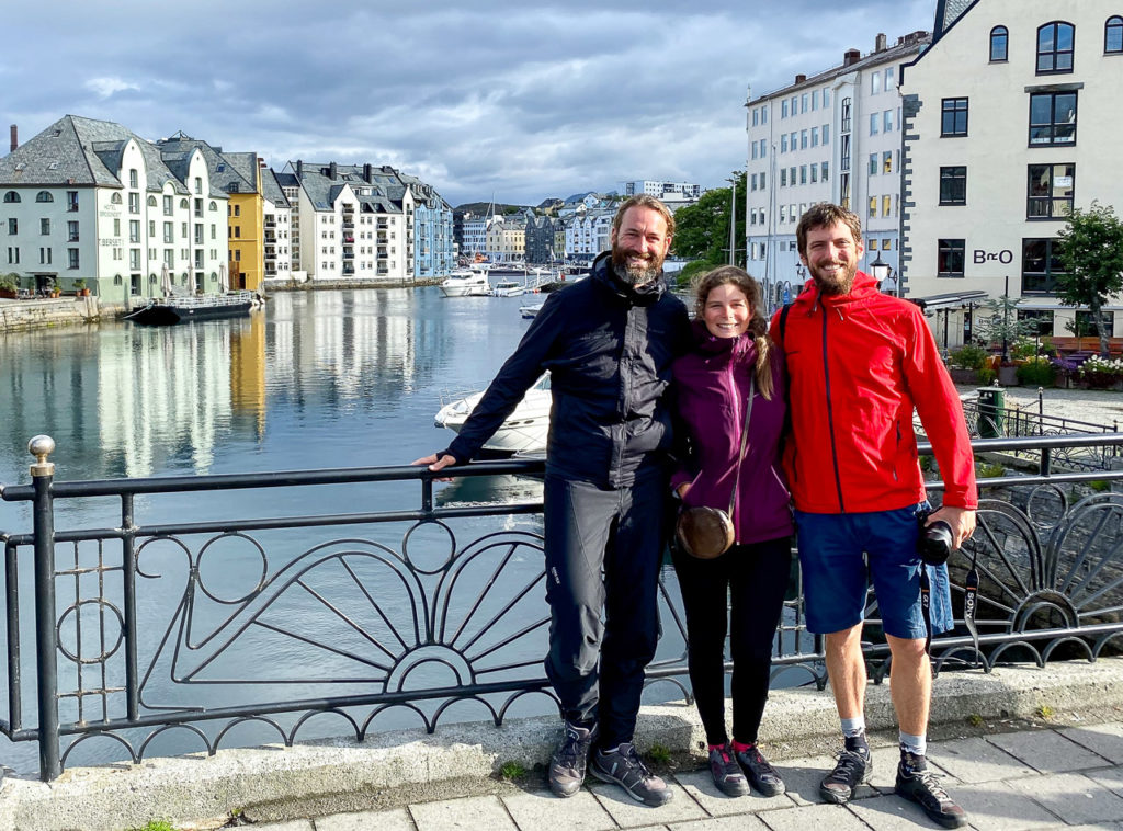 Anam, Johanna & Armand at Hellebroa, Ålesund