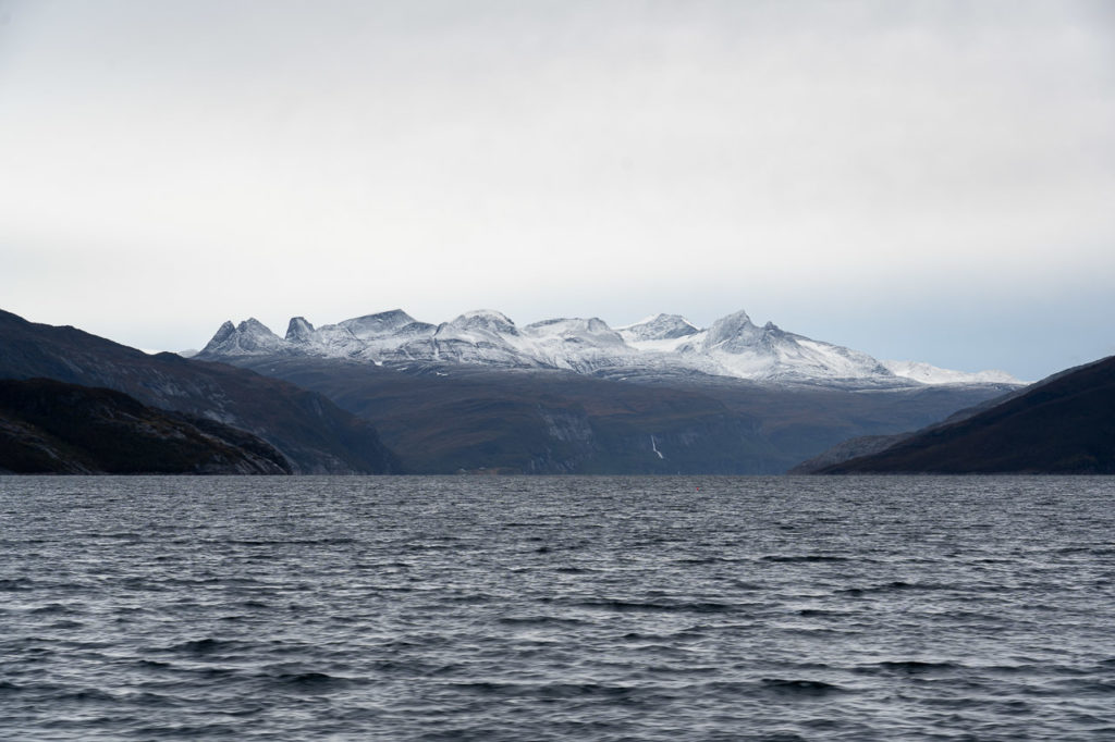 Skaviktindan, Steintinden & Melfjorden seen from the ferry Kilboghamn-Jektvik