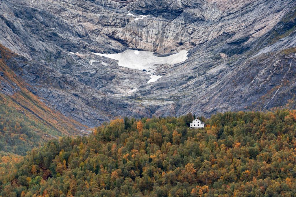 Fonndalsbreen & Fonndalen seen from Braset rasteplass