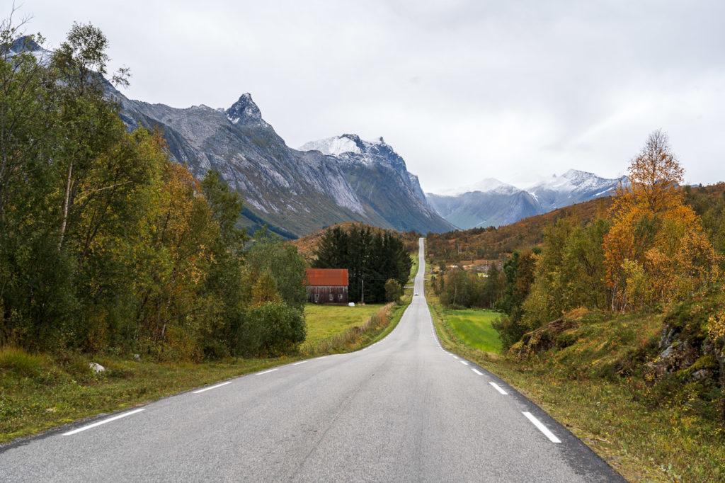 Stortinden, Sætertindan & Fylkesvei 452