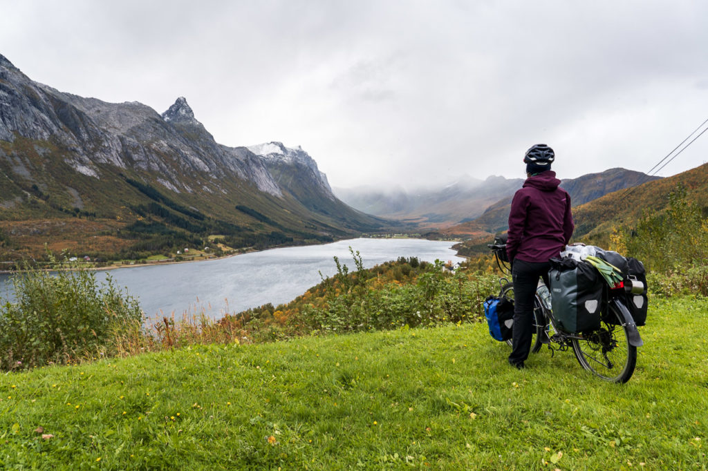 Johanna in front of Stortinden, Sætertindan & Bjærangfjorden