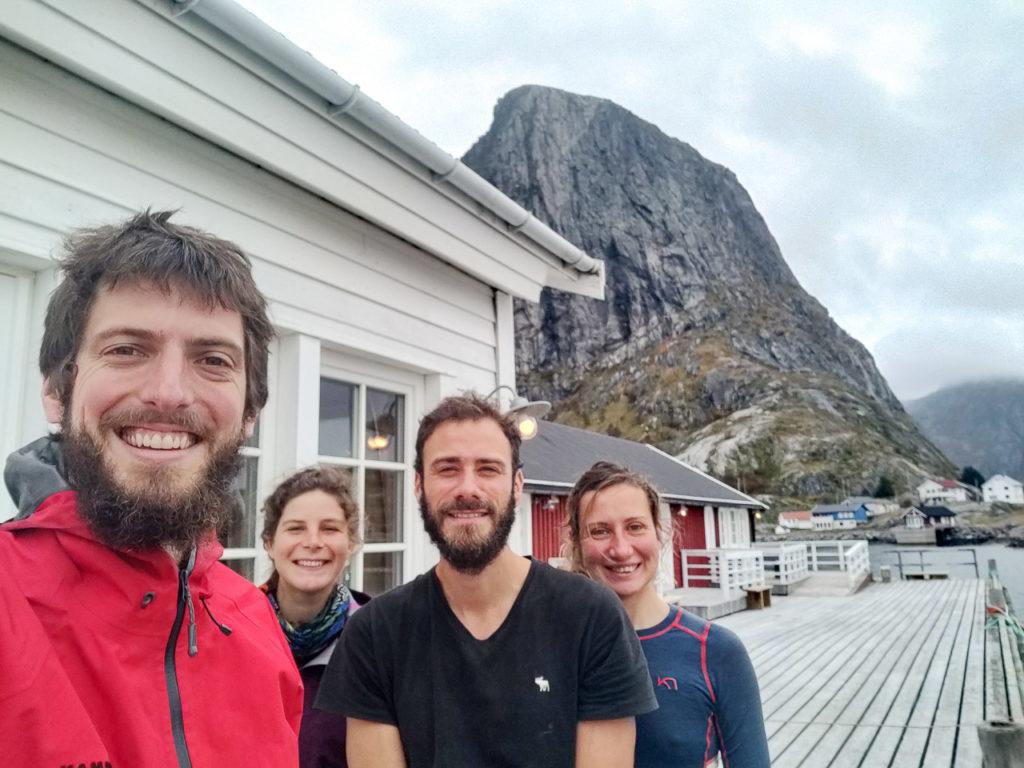 Armand, Johanna, Jonathan & Mélanie at Eliassen Rorbuer, Hamnøy