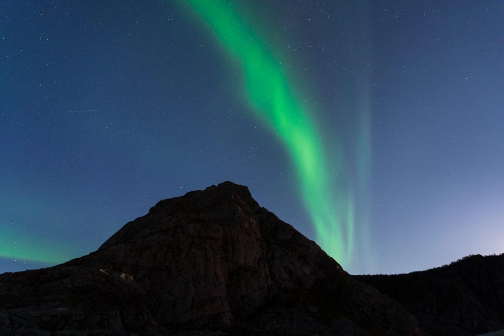 Aurora over Festvågtinden