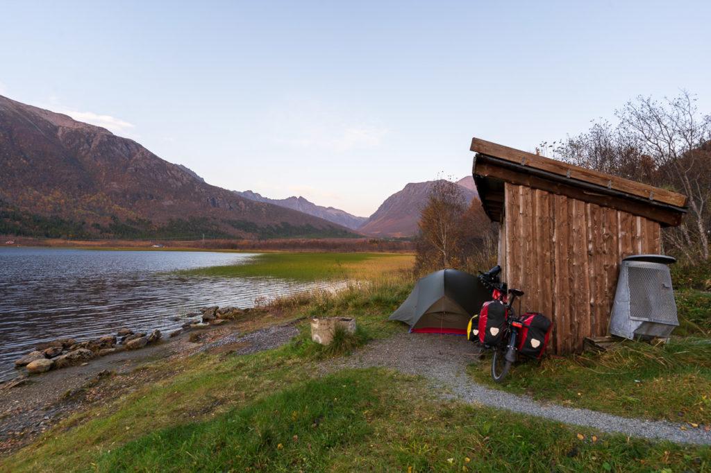 Wild camping along the Kjerringnesdalsvatnet