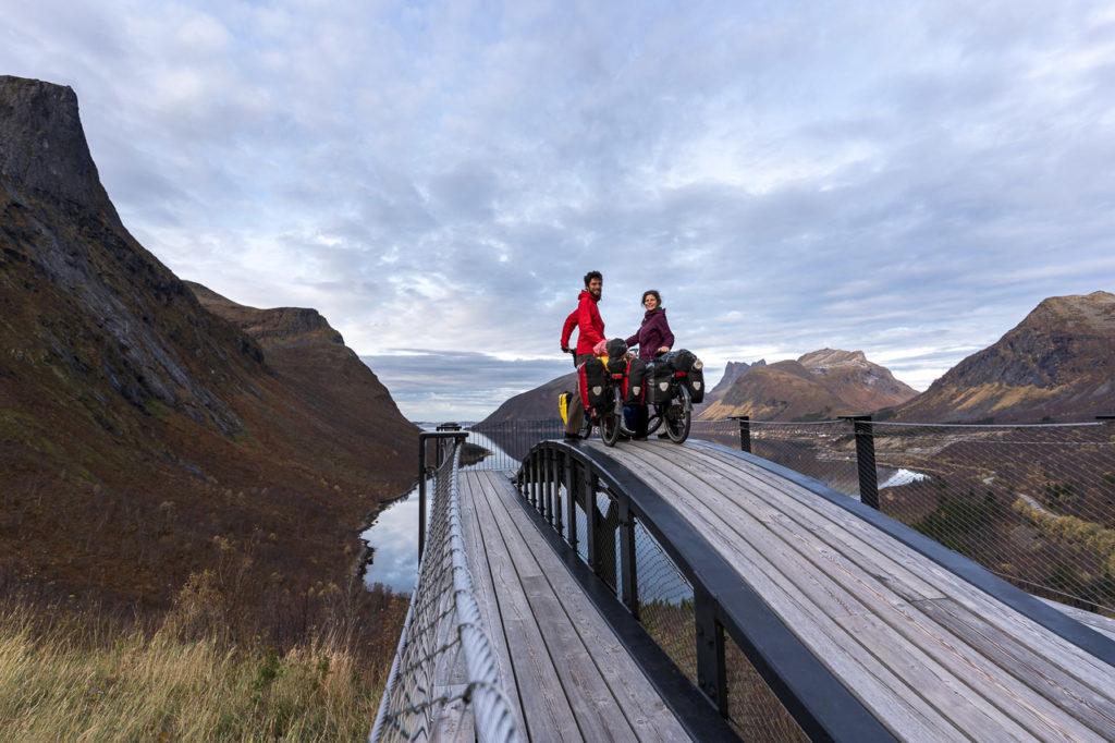 Armand & Johanna at Bergsbotn utsiktspunkt